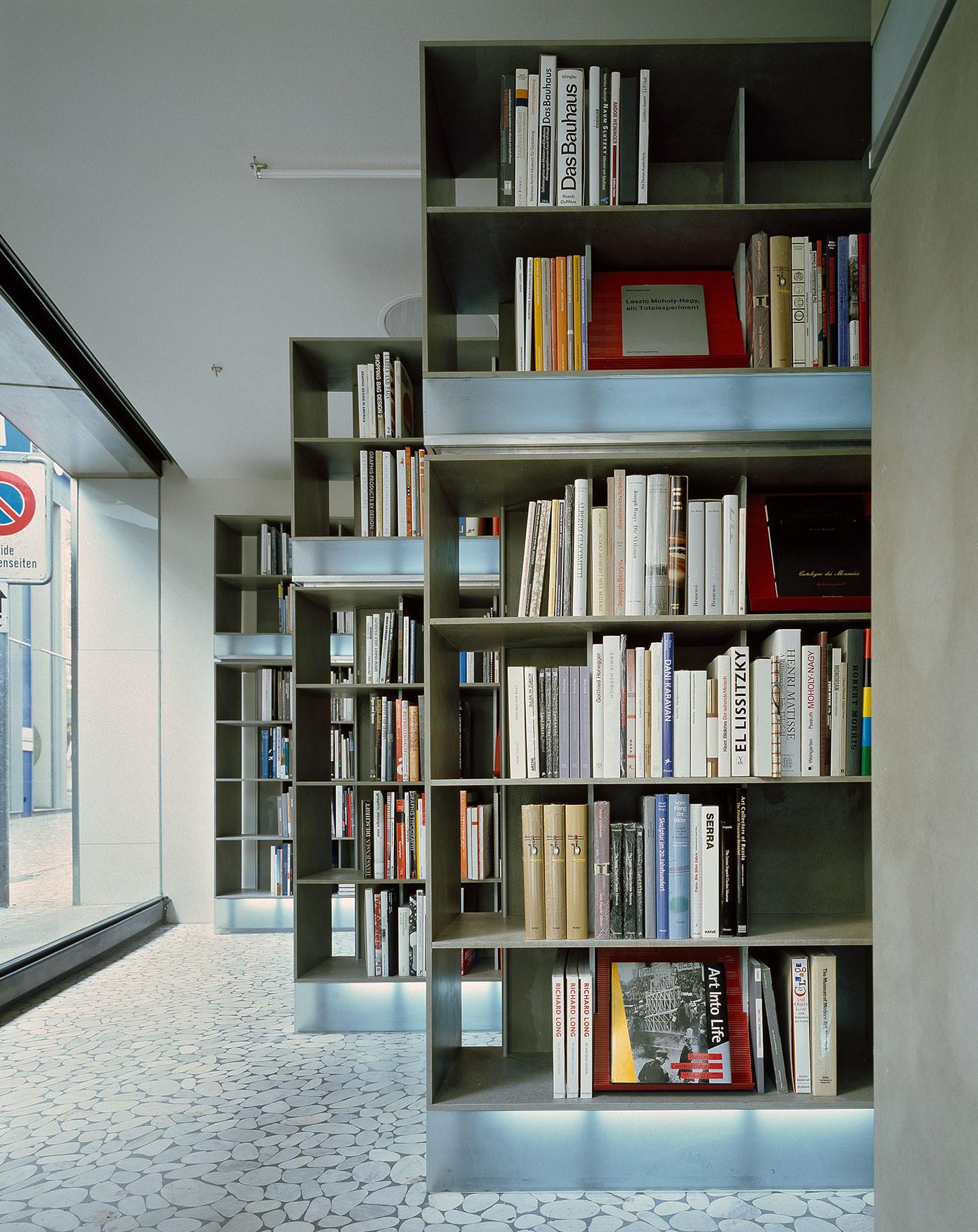 Domushaus buchhandlung f r architektur und design basel for Architektur und design