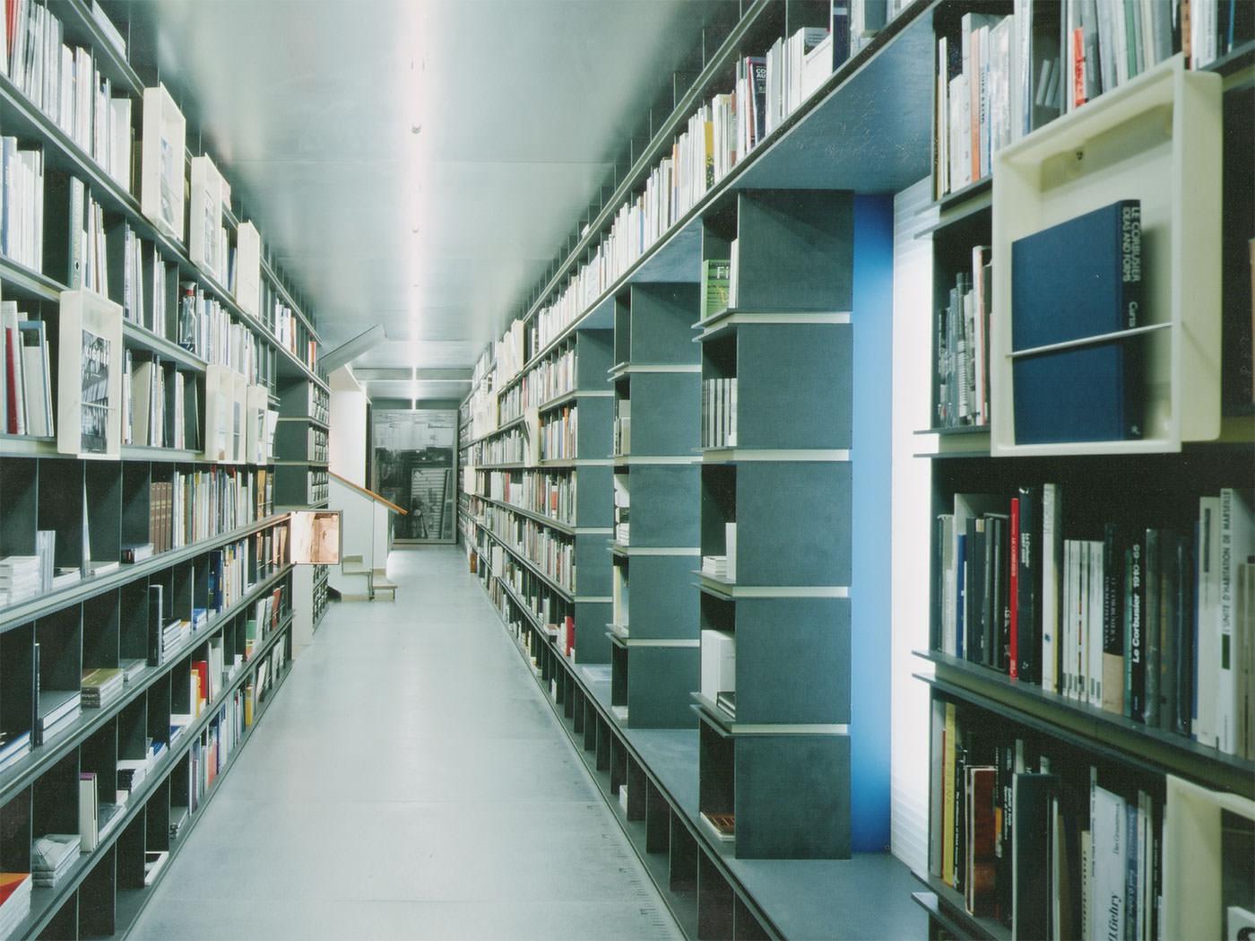 Buchhandlung limacher k nigsbau stuttgart schmutz partner freie architekten innenarchitekten - Innenarchitekten stuttgart ...